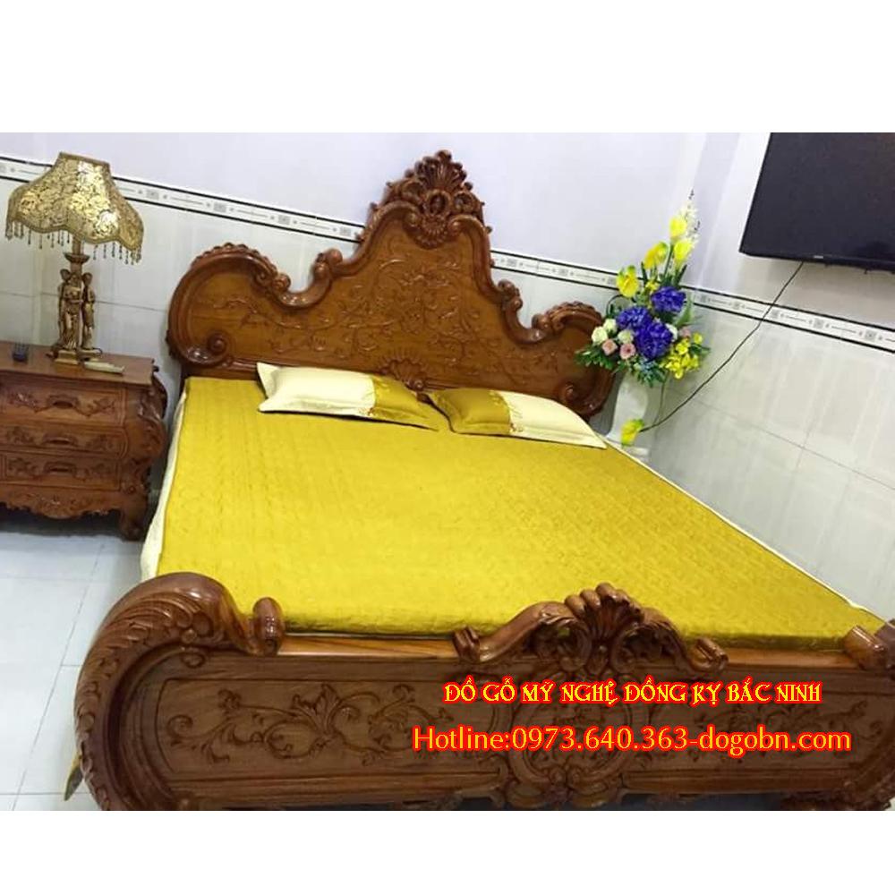Giường kiểu hoa lá tây cổ